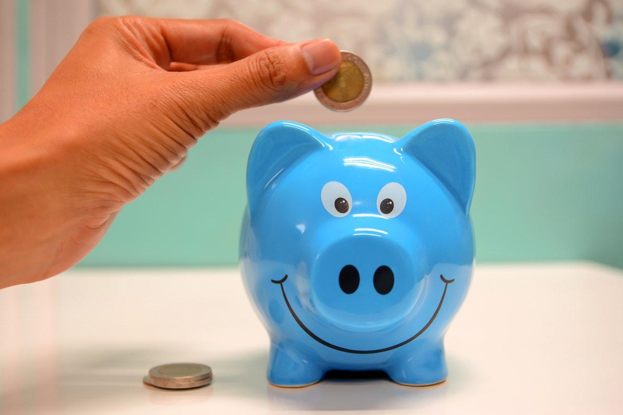 The Piggy Bank Trick to Get Young Kids Saving